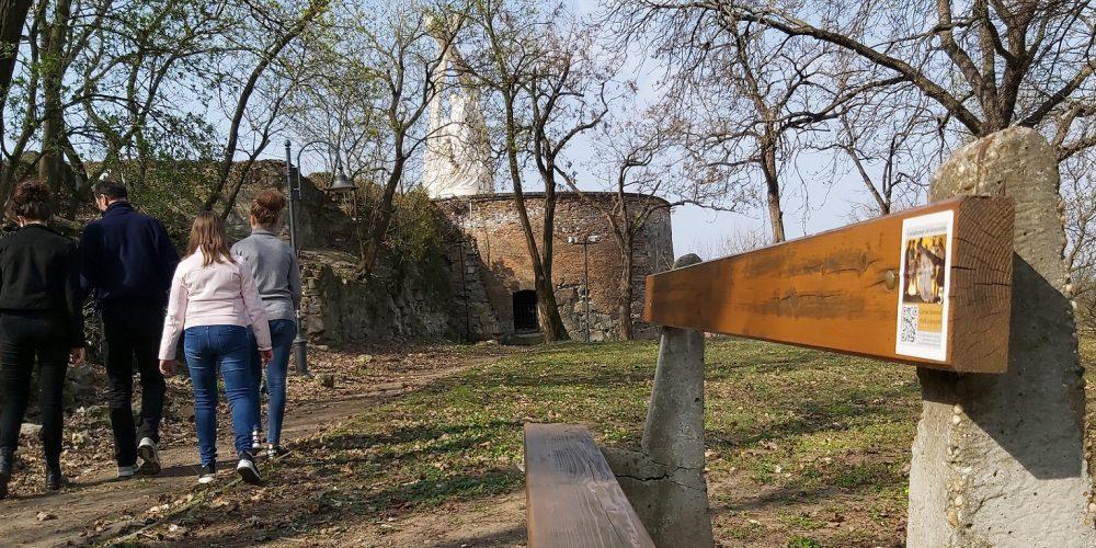 QR-code crossroads on Esztergom Castle Hill