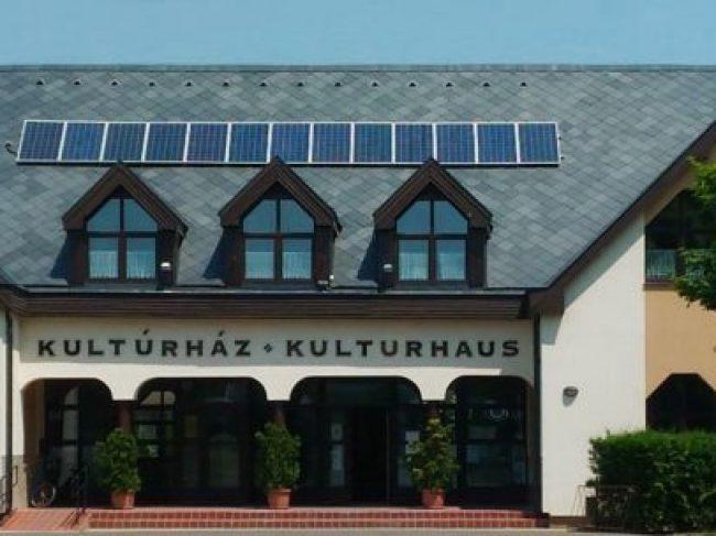 Táti Kultúrház és Könyvtár